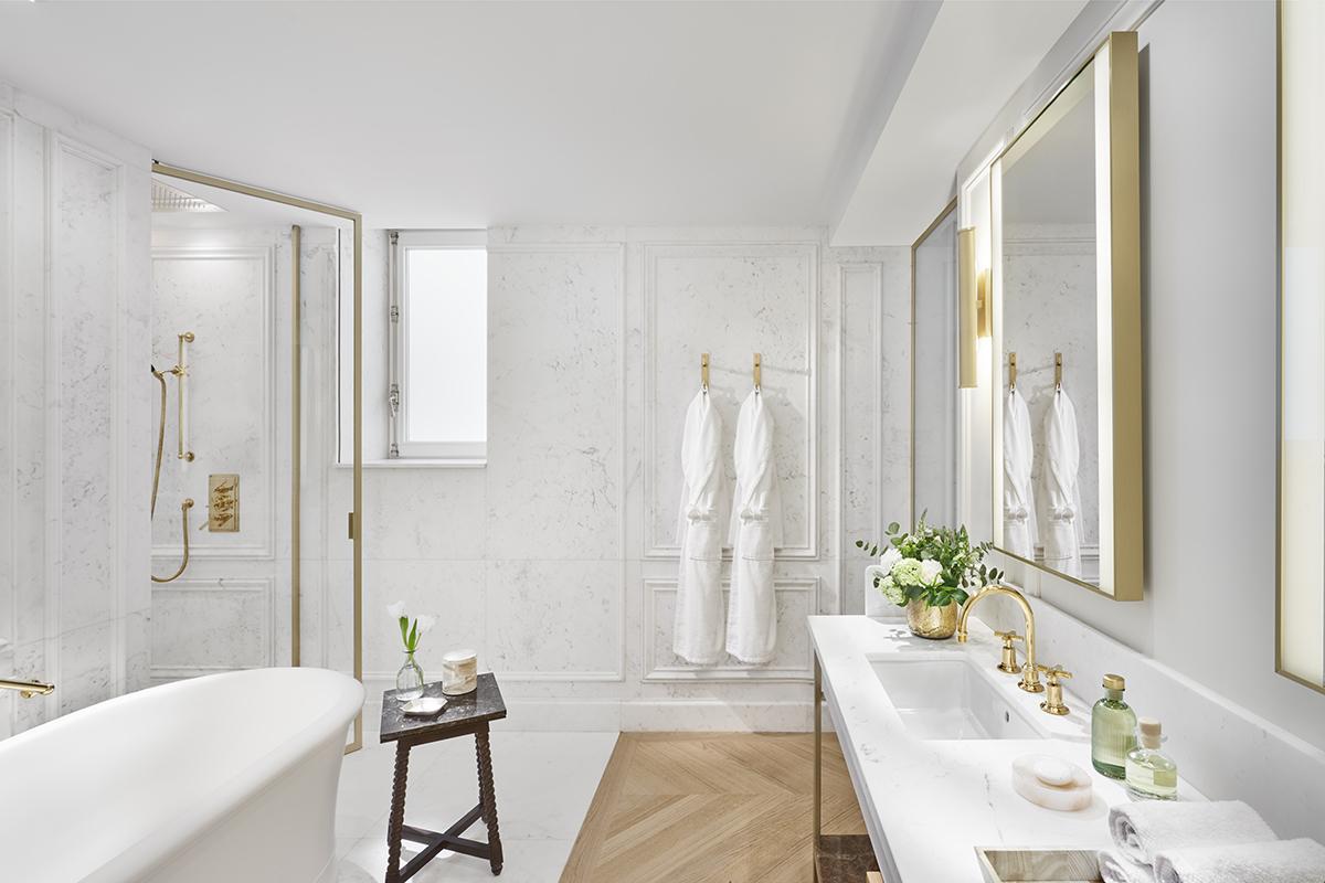BJ MRMAD_Turret_Suite_ bathroom
