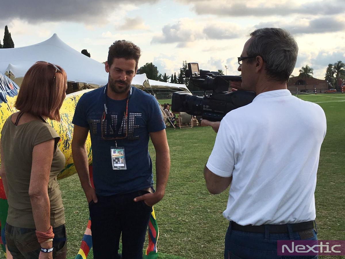 Andrés Vázquez grabando la entrevista para Open Style a Santi Serra