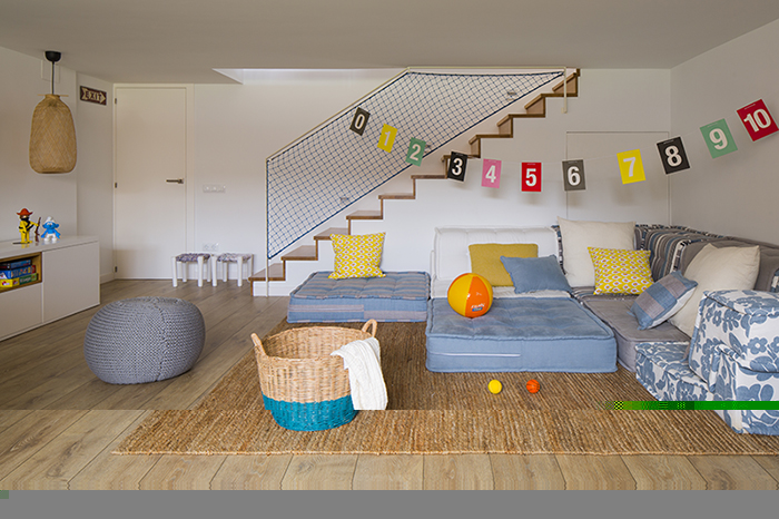 Meritxell-Ribe-The-Room-Studio-Mauricio-Fuertes (1)