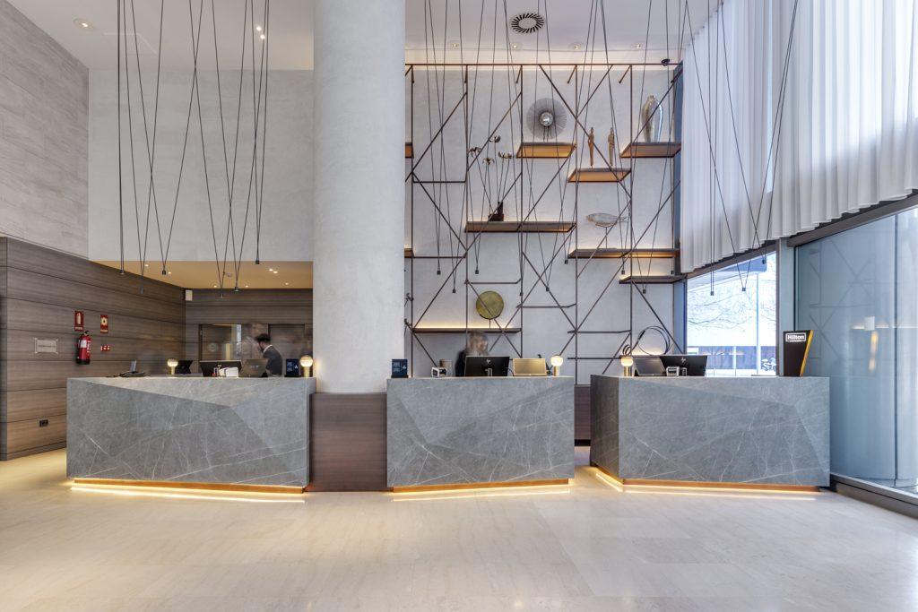 Neolith_hotel-Hilton-Diagonal-Mar_05-1024x683[1]