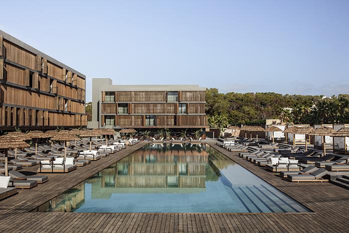 OKU-HOTELS_IBIZA_BY_GEORG-ROSKE_HOTEL-POOL_0232_LowRes