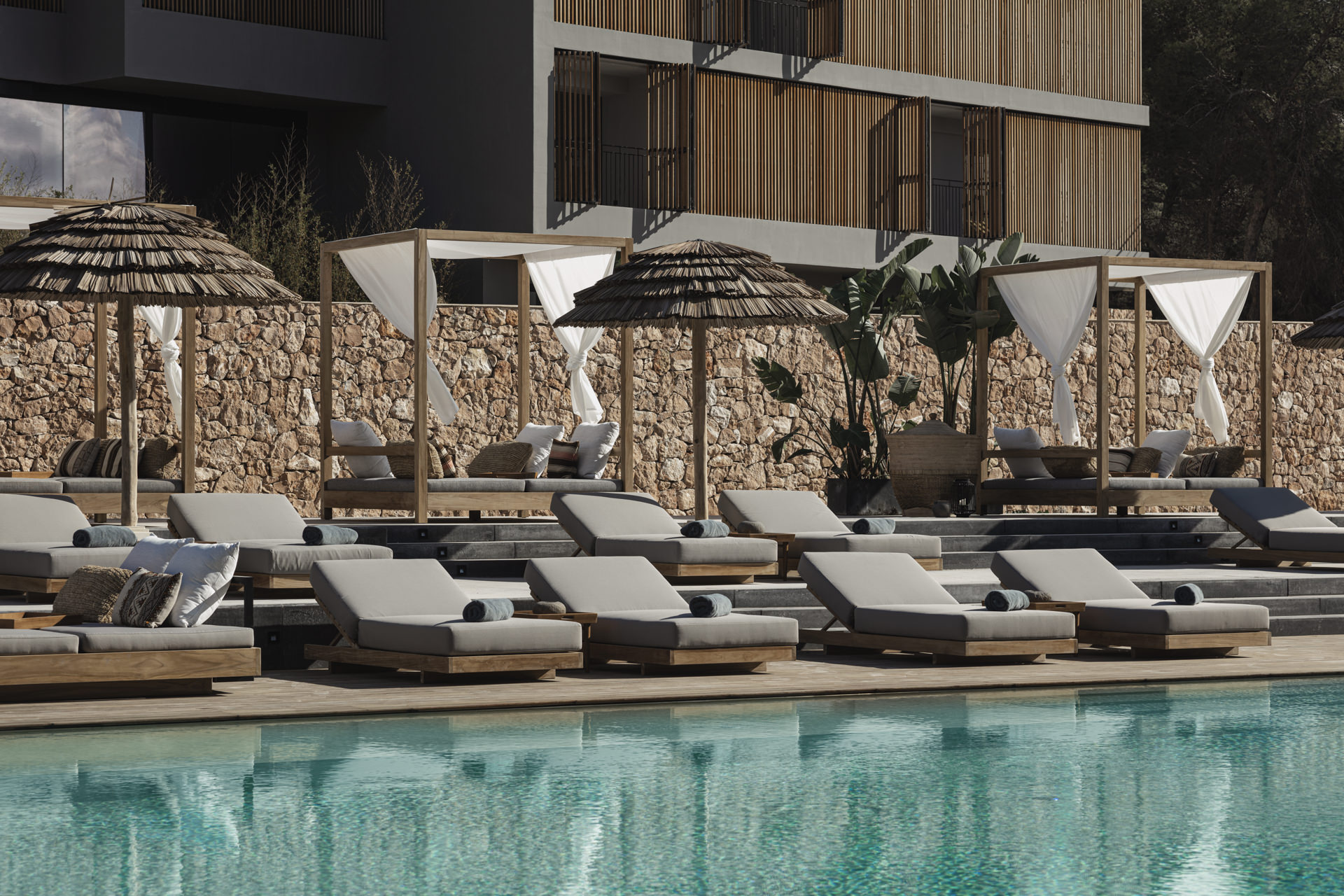 OKU-HOTELS_IBIZA_BY_GEORG-ROSKE_HOTEL-POOL_0698_LowRes
