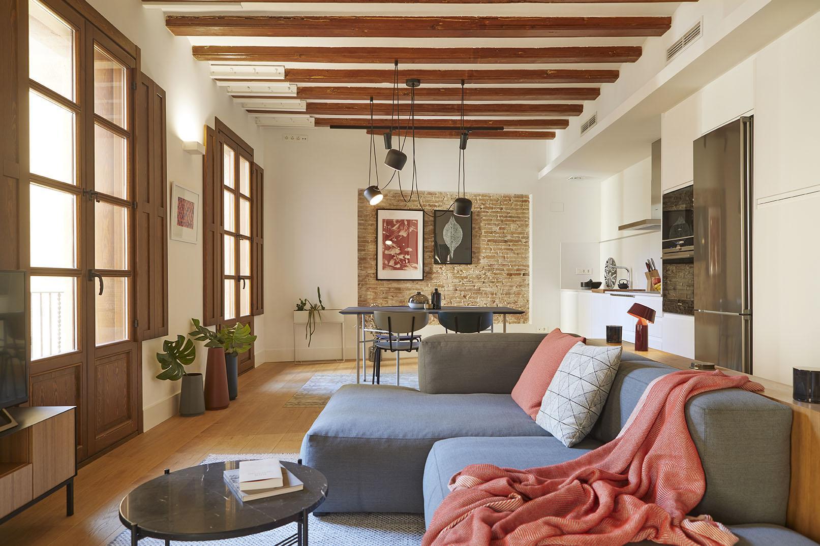 Un piso luminoso funcional y muy bien decorado somos nextic - Pisos bien decorados ...