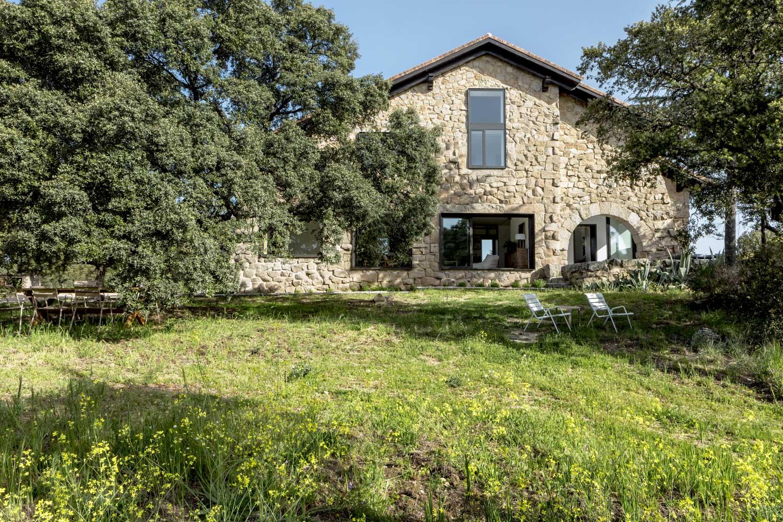 Casa de campo diseñada por Ábaton Arquitectura y Batavia