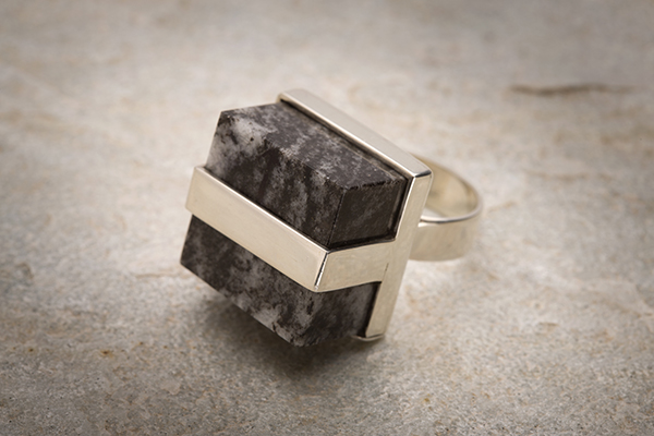 bj marmol-spain-joyas-cubic-mandela-gettingbetter (1)