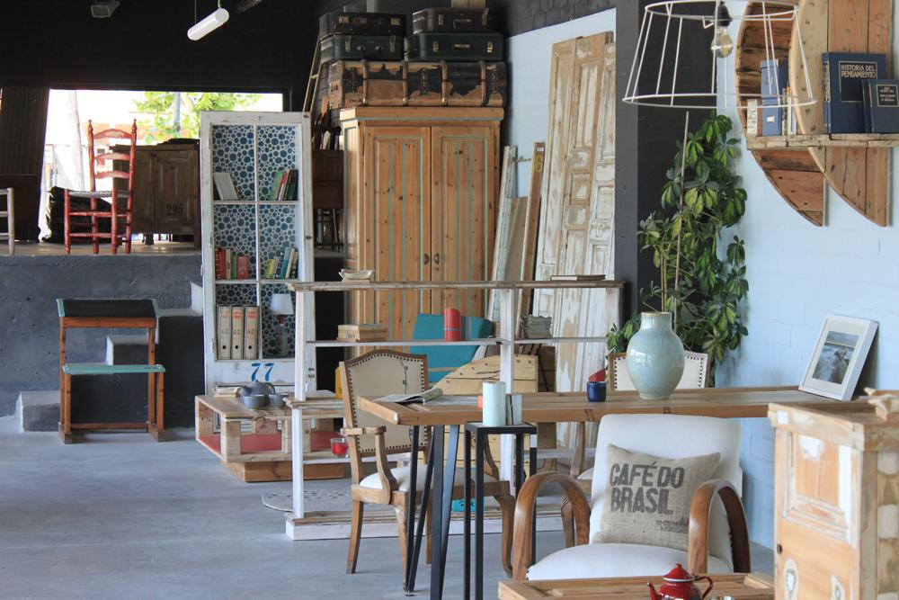 estoc-mobiliario-reciclado-tienda.jpg