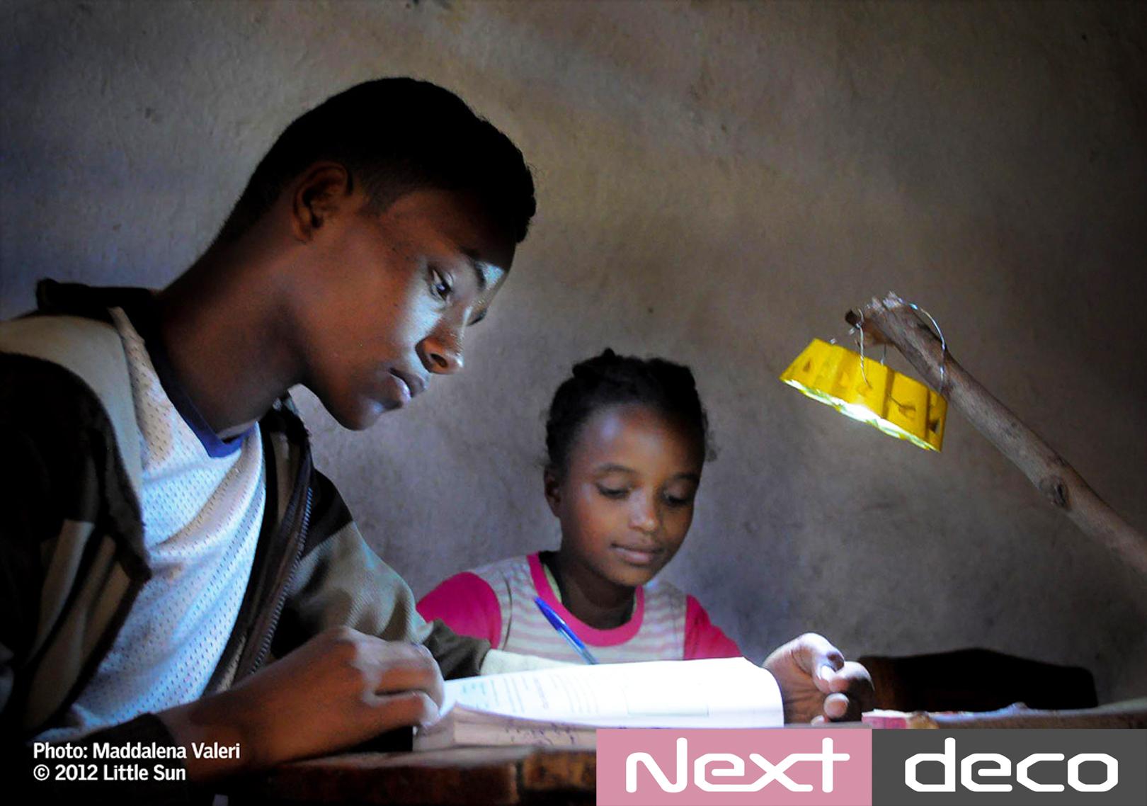 little-sun-velux-luz-solar-africa-nextdeco