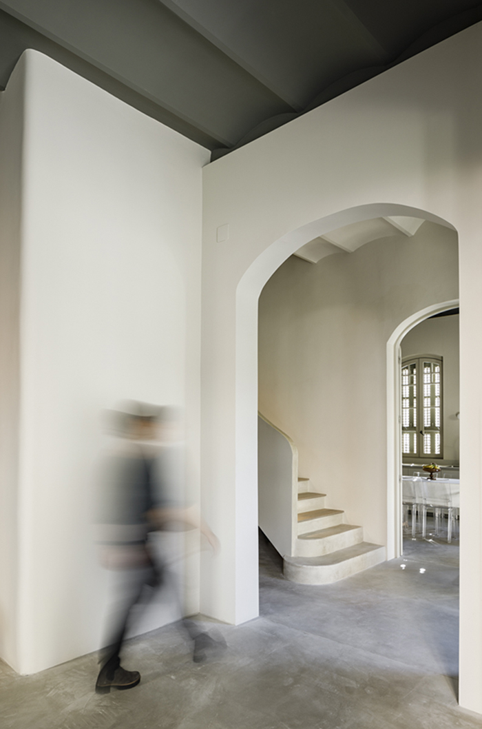 lucia-olano-arquitecta-vivienda-unifamiliar-tres-torres-barcelona-hall_06A7174