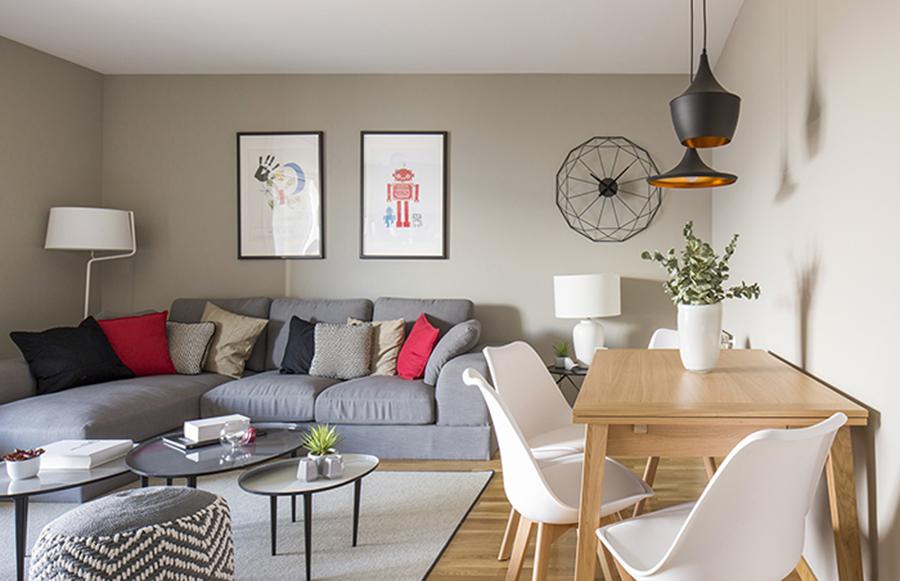Casas houzz la vida de estreno de un joven reci n for Casa estilo nordico minimalista