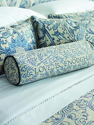 nextic-Love is Enough cushion