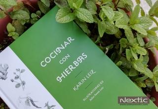 Cocinar con hierbas de Karin Leiz