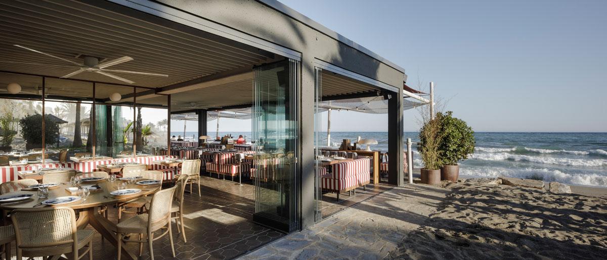 Soleo Marbella Beach Club. Proyecto de interiorismo realizado por Isabel López Vilalta + Asociados.
